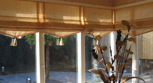 roman blinds at bubblitex